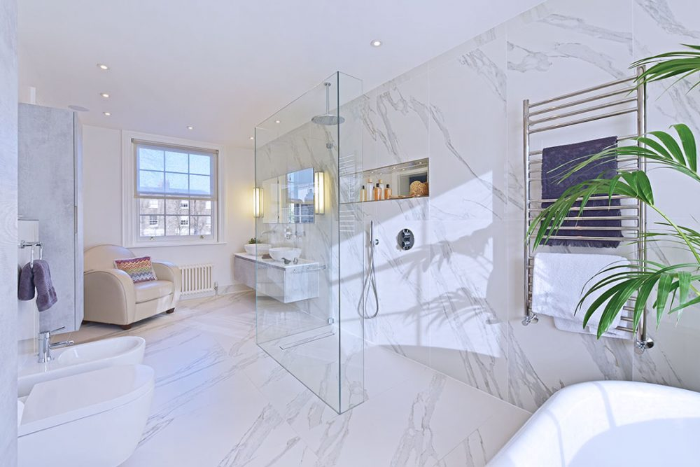 white and marble bathroom photography