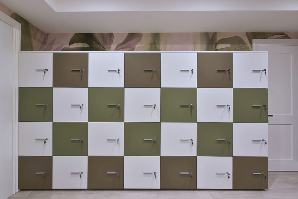 London office photography. Photo of lockers